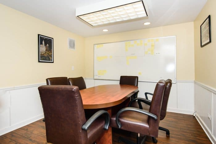 Conference room where you can meet with your buyers and sellers.